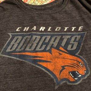 Charlotte Bobcats Adidas ladies tee large gray